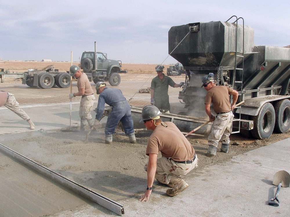 041119-N-5386H-027